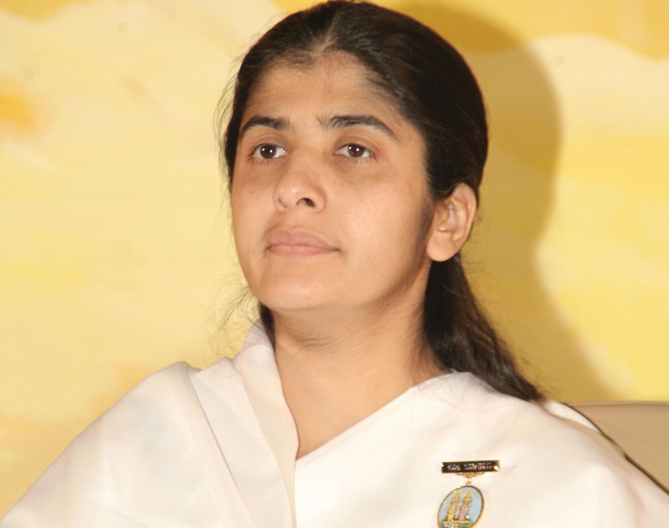 Spiritual Teacher Sister Shivani Biography in Hindi