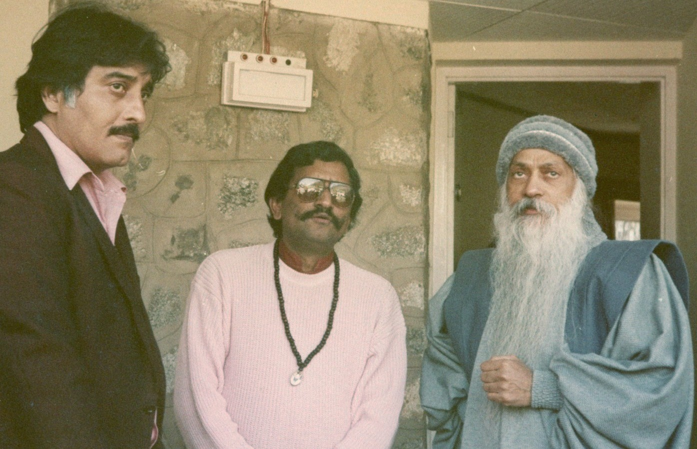 osho-with-vinod-khanna