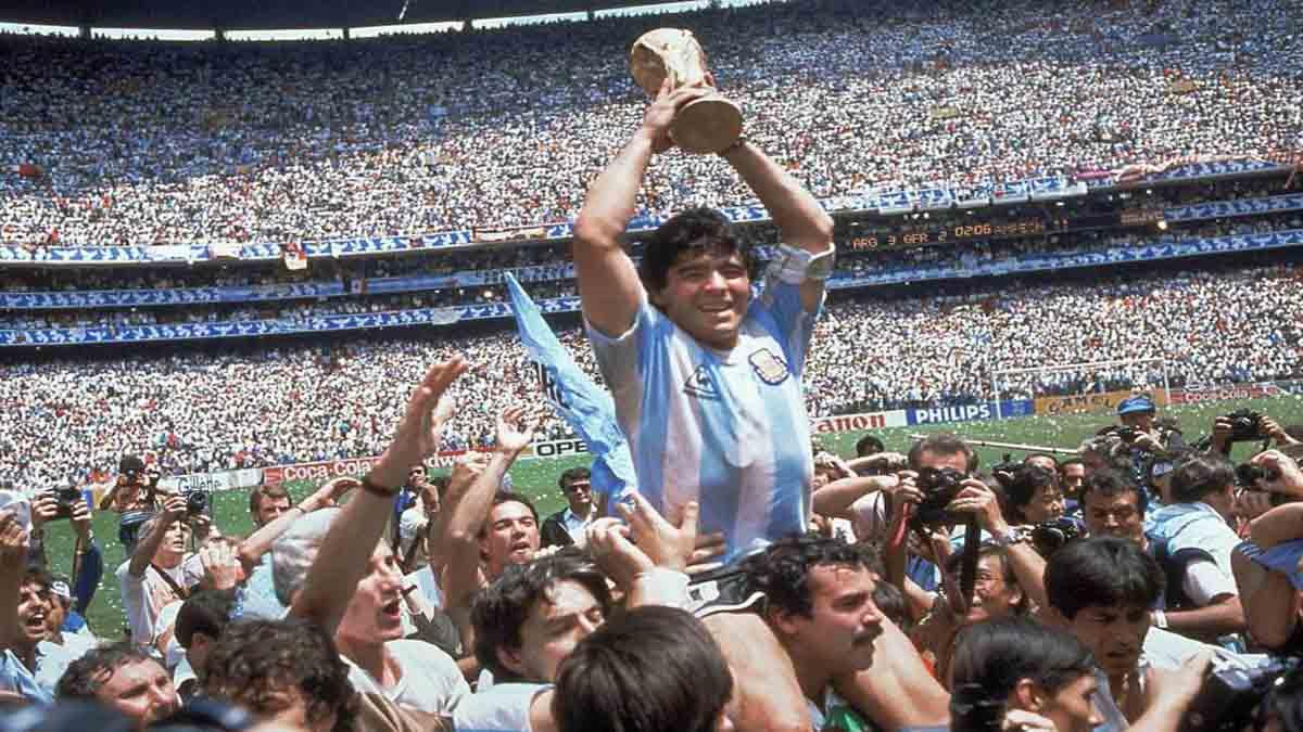 Diego Maradona Biography in Hindi