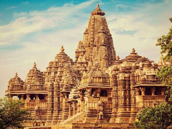 Khajuraho Temple History in Hindi