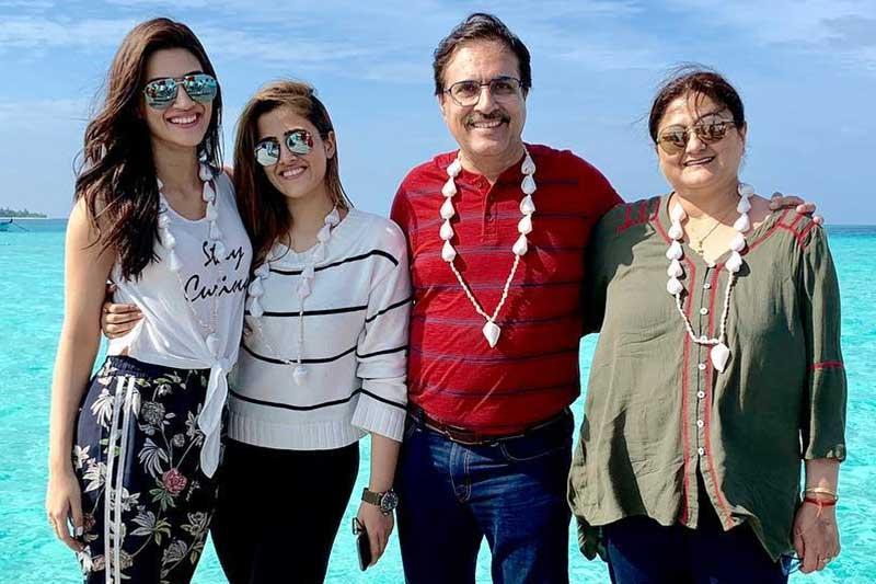 Kriti Sanon Family